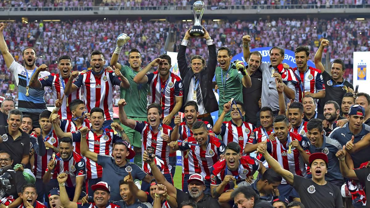 Resultado de imagen para chivas campeon liga mx