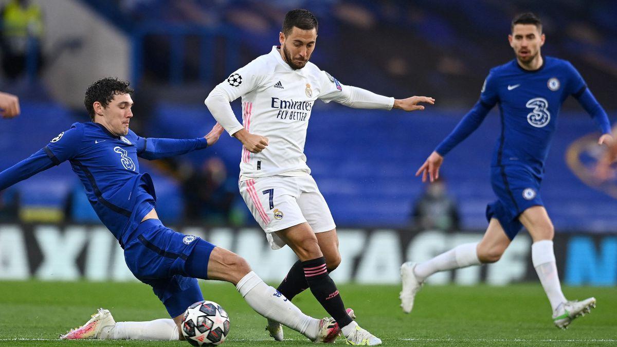 Chelsea được mời mua lại Eden Hazard